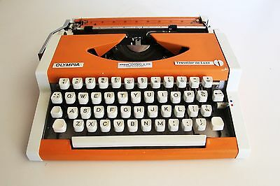 OLYMPIA Traveller de Luxe ~  Typewriter ~ ORANGE ~ Excellent working condition!