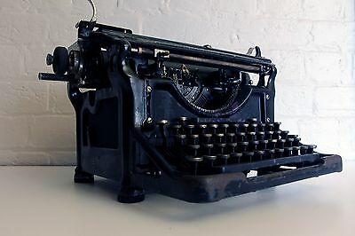 ***** Antique Underwood Typewriter ~ Working! *****