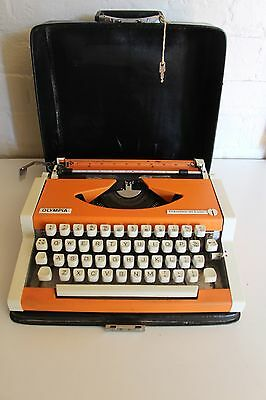 OLYMPIA Traveller de Luxe ~  Typewriter ~ ORANGE ~ Working