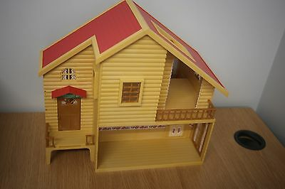Sylvanian Families Primrose Lodge  And Accessories
