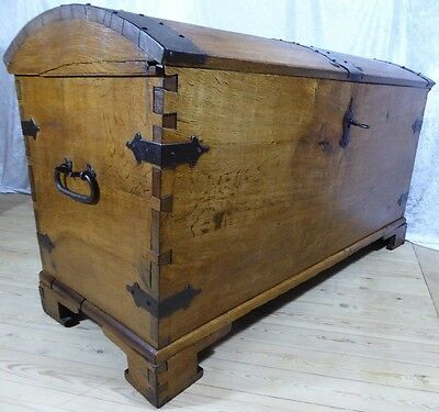 Antique Chest In Oak - Original And Extremely Well Preserved! Trunk