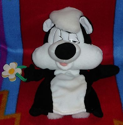 Pepe Le Pew Looney Toons Hand Puppet Plush Rare 12'' in.