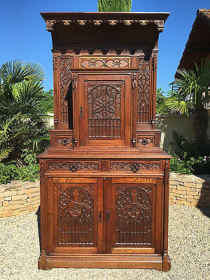 Antique French Gothic Cabinet in Oak 19th Century GREAT Model, IMPRESSIVE