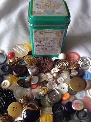 Vintage & Mordern Buttons 150+ In Nice Little Tin