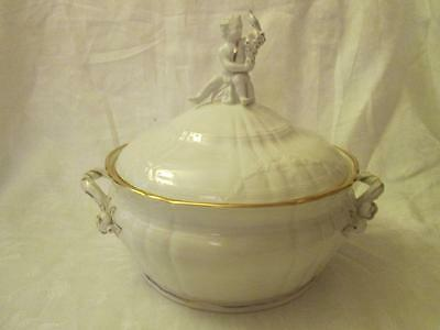 KPM (Berlin) Rocaille Pattern Round Lidded Tureen, White with Gilt Highlights