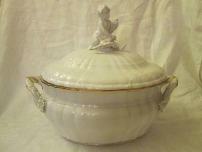 KPM (Berlin) Rocaille Pattern Oval Lidded Tureen, White with Gilt Highlights