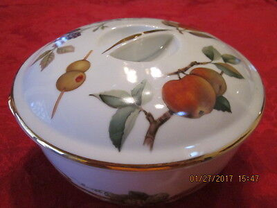 Royal Worcester Evesham Covered Round Casserole Dish with Lid, Shape 23, size 6