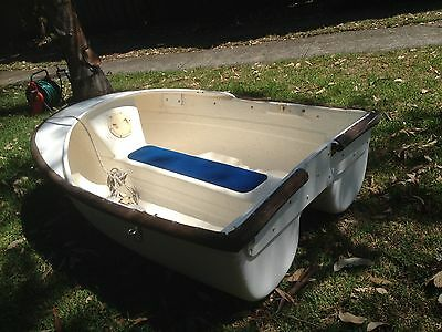 Tender boat 1900 L x 1350 W with Motor