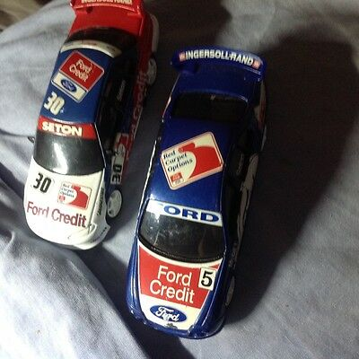 2 Classic carlectables 1.43 Falcons ford credit