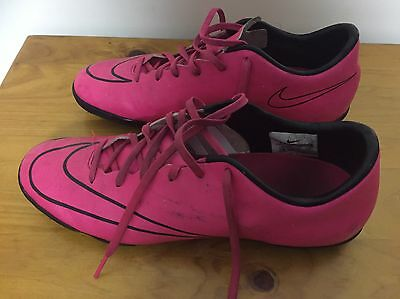 Boys Nike Mercurial Soccer Shoes US Size 8