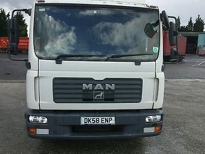 MAN flatbed lorry 7.5t Day Cab