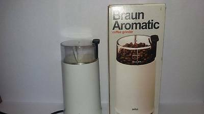 BRAUN AROMATIC COFFEE GRINDER FOR WHOLE COFFEE BEANS OR SPICES KSM2 Working