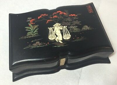 Vintage Oriental Chinese Japanese Lacquer Cigarette Box 1950's Retro Kitsch AF