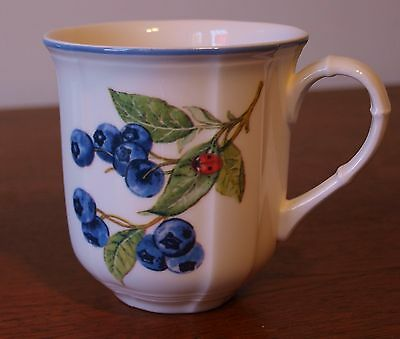 VILLEROY & BOCH Cottage Fruits Coffee Mug Cup Cherries Blueberries