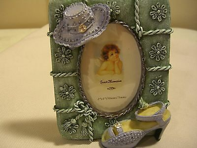 """Cute  2"""" x 3"""" picture frame (sweet memories).."""