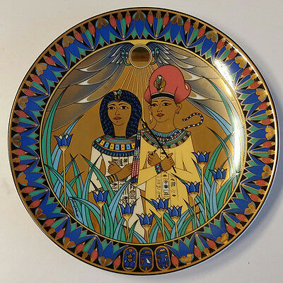 """Royal Worcester Legends Of The Nile """" Tutankhamun & His Queen"""" plate"""