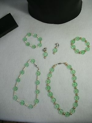 Green Glass Jewelry Collection E-2