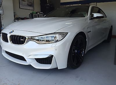 2015 BMW M4 Base Coupe 2-Door 2015 BMW M4 Coupe Mineral White / Black DCT