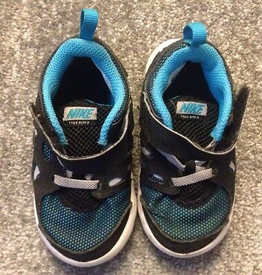 Boy NIKE trainers Infant Size 6.5