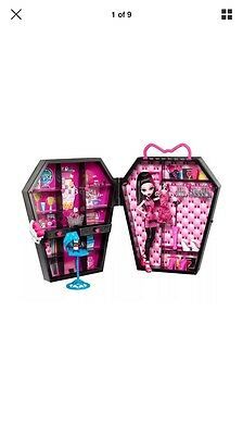 Monster High Draculaura Draculocker With Doll And Accessories