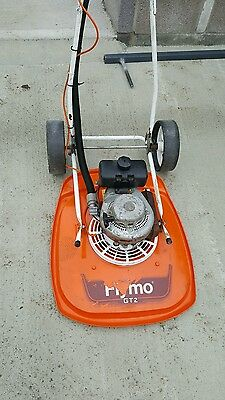 """FLYMO GT2  20"""" Petrol HoverMower with transport wheels"""