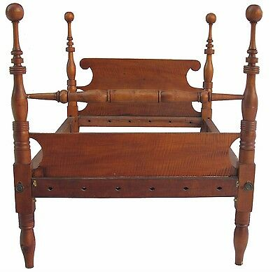 18Th Century Federal Period Tiger Maple 4 Poster Bed