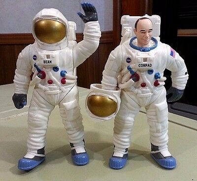 """HEROES OF SPACE NASA ASTRONAUT FIGURE LOT of 2 - Bean and Conrad 6"""""""