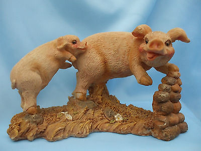 Collectable Mum and Piglet Pair of Pigs Ornament