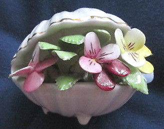 Royal Doulton Porcelain Floral Posy in Shaped Clam Shell