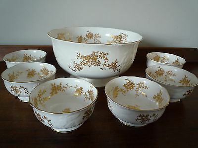 Crown Staffordshire Aristocrat fruit bowl and 6 fruit dishes