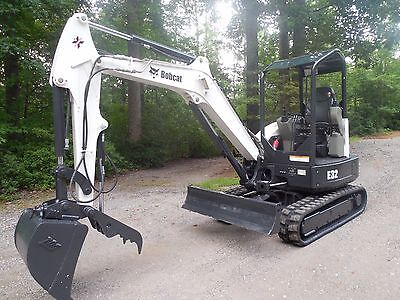 2013 Bobcat E35 Mini Excavator, 2,200 Hours, Hydraulic Thumb, Key-Less Start