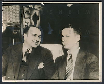 1932 Al Capone Pays His Debt to Uncle Sam Original Photo On His Way To Prison