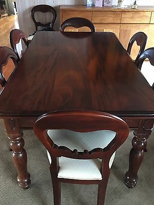Antique Mahogany Dining Table With 8 Chairs