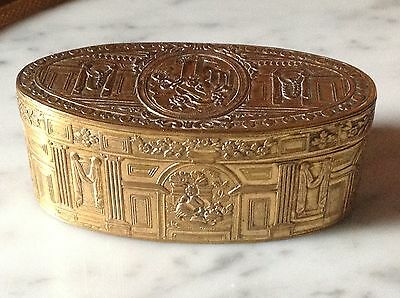French 18Th Century Pomponne Gilded Oval Snuff Box - Architectural Motif