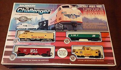 VINTAGE ELECTRIC BACHMAN THE CHALLENGER HO SCALE TRAIN SET In Box. Item #00621.