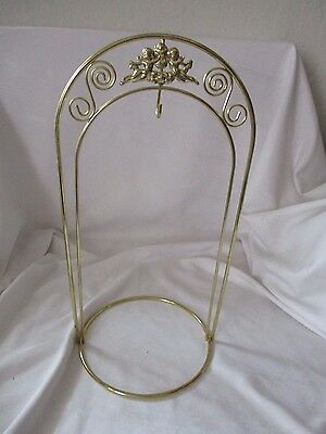 Gold plated fancy ornament hanger stand cherubs angels
