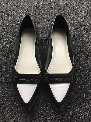 Nine West Black And White Pointed Flats Size 8.5