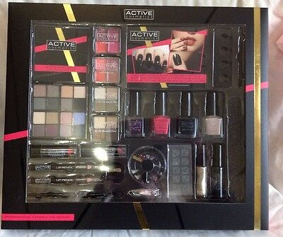 ** NEW ~ Active Cosmetics Pro Catwalk Collection, 48 Piece Makeup Collection **