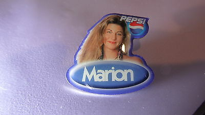 "orig. BIG BROTHER PIN ""MARION"" STAFFEL 6, PEPSI, 30x30 mm,  gut erhalten !!"