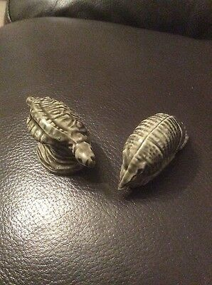 Pair of small animal ornaments