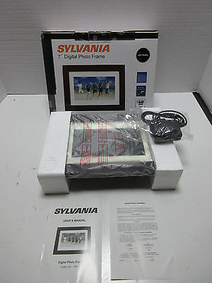 sylvania 7 digital photo frame led panel w clock calendar jpeg auto rotation