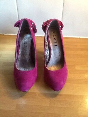 Ravel Ladies shoes. Never Worn. Size 6.