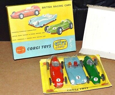 A DVD Of  'Dinky & Corgi', Diecast Cars.    1000 IMAGES!   Excellent Reference.