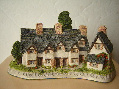 David Winter 1985 CRAFTSMEN COTTAGE In Good Condition With COA wrong BOX