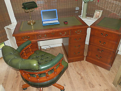 Antique Style Leather Top Pedestal Desk, with matching separate 2 draw filling c