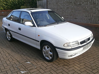 1998 Vauxhall Astra Gls,1.6 Automatic 4 Door Saloon,only 55000 Miles,long Mot