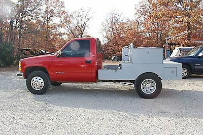 1998 Chevrolet C/K Pickup 3500  1998 Chevy Truck 1-ton with brand new welding bed never used
