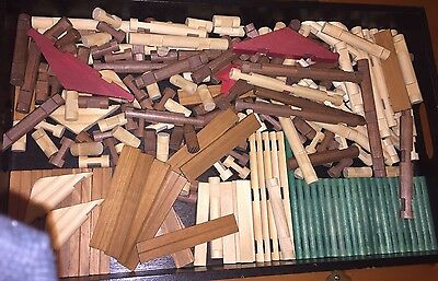 Lincoln Logs Lot Of 227. 4 Notch, 3 Notch, Roof, Flat & Round, Green-Natural-Red