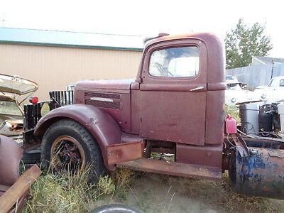 1946 White WB22  1946 White Super Power WB22 cab and chassis , runs great