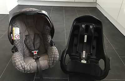 Graco Junior Car Seat and Base Baby / Infant